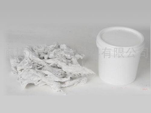 白色泥状填料
